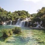 waterfall-950343_640